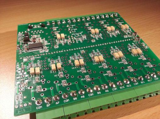 Optocoupled inputs